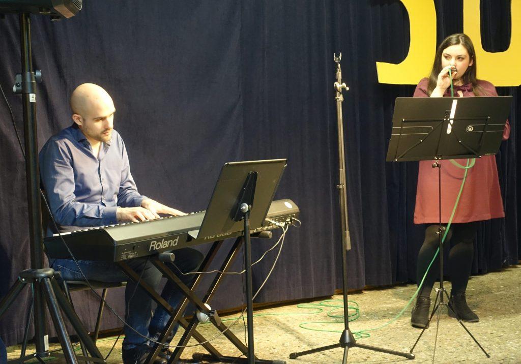 Simone und Joscha von der Musikschule Livit