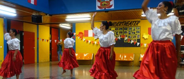 peruanische Tänzerinnen beim Peru-Fest 2019
